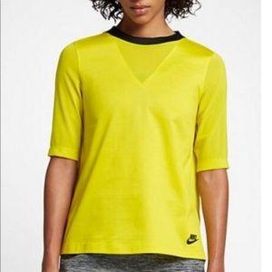 New Nike Sportswear Shirt NWT